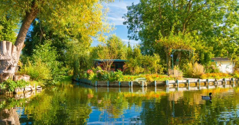 Au coeur des hortillonnages d'Amiens / Mark Pitt Images - Shutterstock