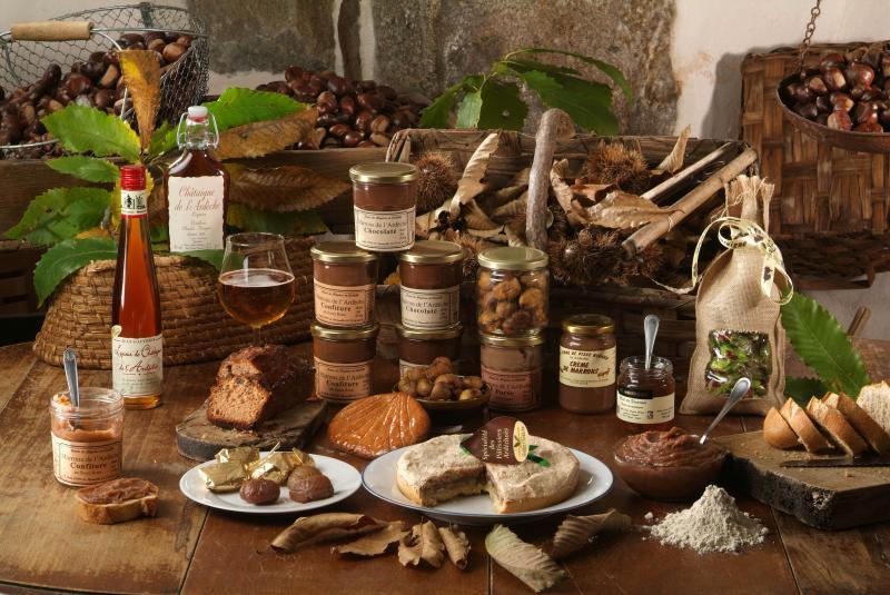 LE produit emblématique : la châtaigne (qui bénéficie d'une AOP « châtaigne d'Ardèche »), dont le département est le premier producteur français.